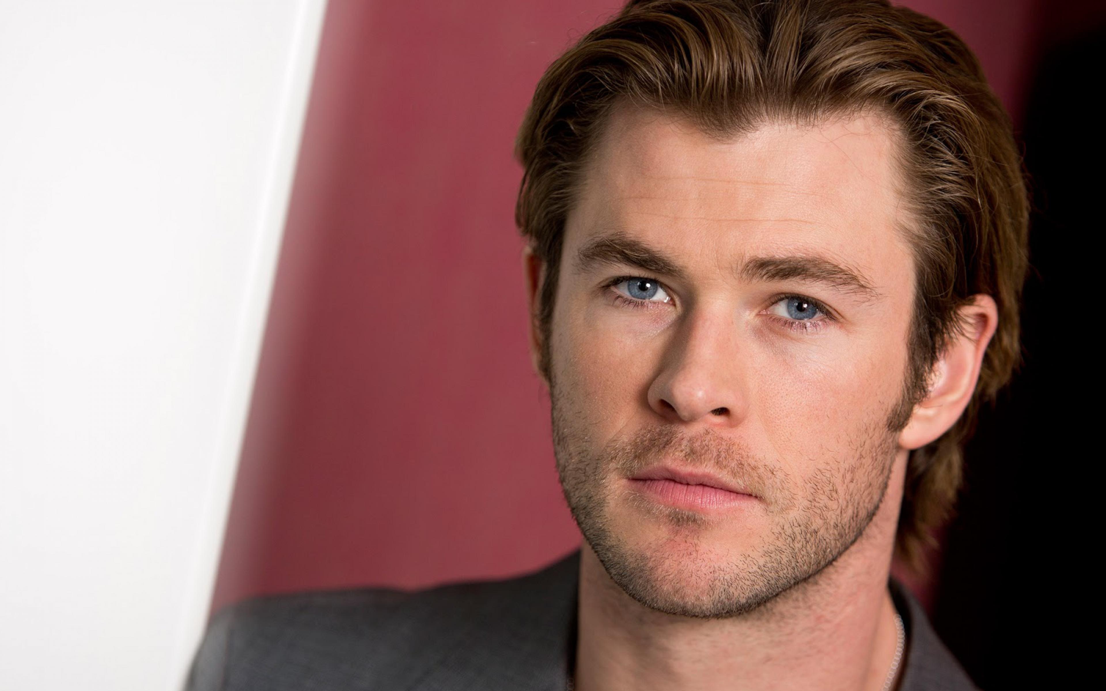 Chris Hemsworth beautiful blue eyes hd wallpapers www 3840x2400