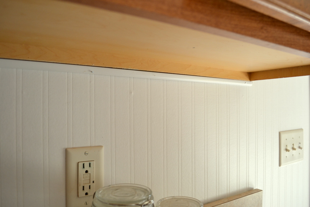 Thrifty Decorating How to Hang Beadboard Wallpaper 1024x683