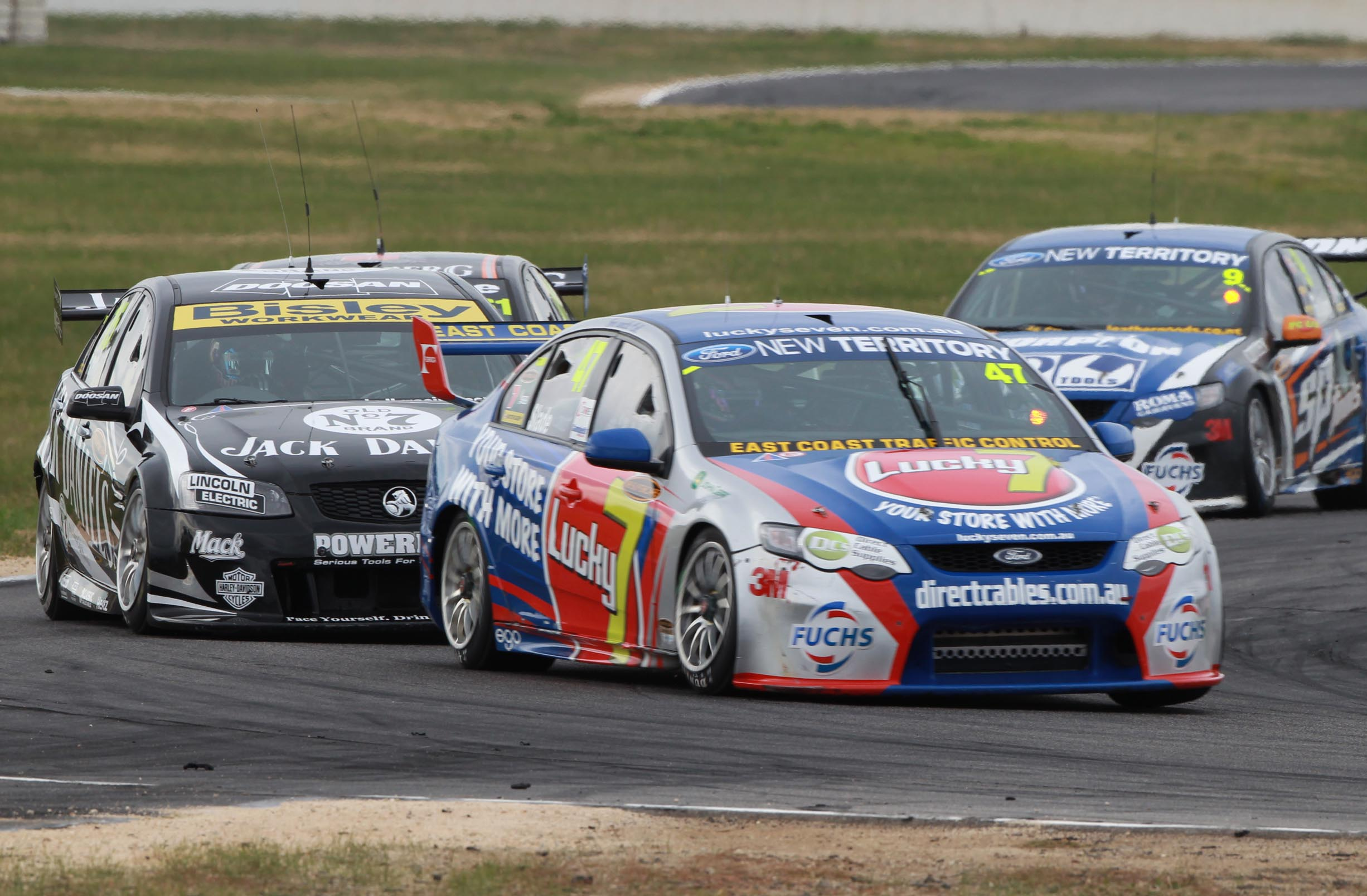 Aussie V8 Supercars race racing v 8 g wallpaper 2452x1608 132136 2452x1608