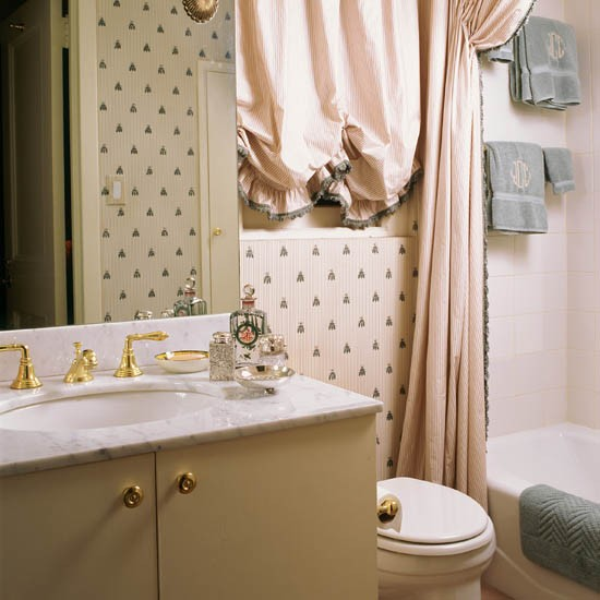 wwwhousetohomecoukroom ideapicturebathroom wallpaper 10 ideas9 550x550