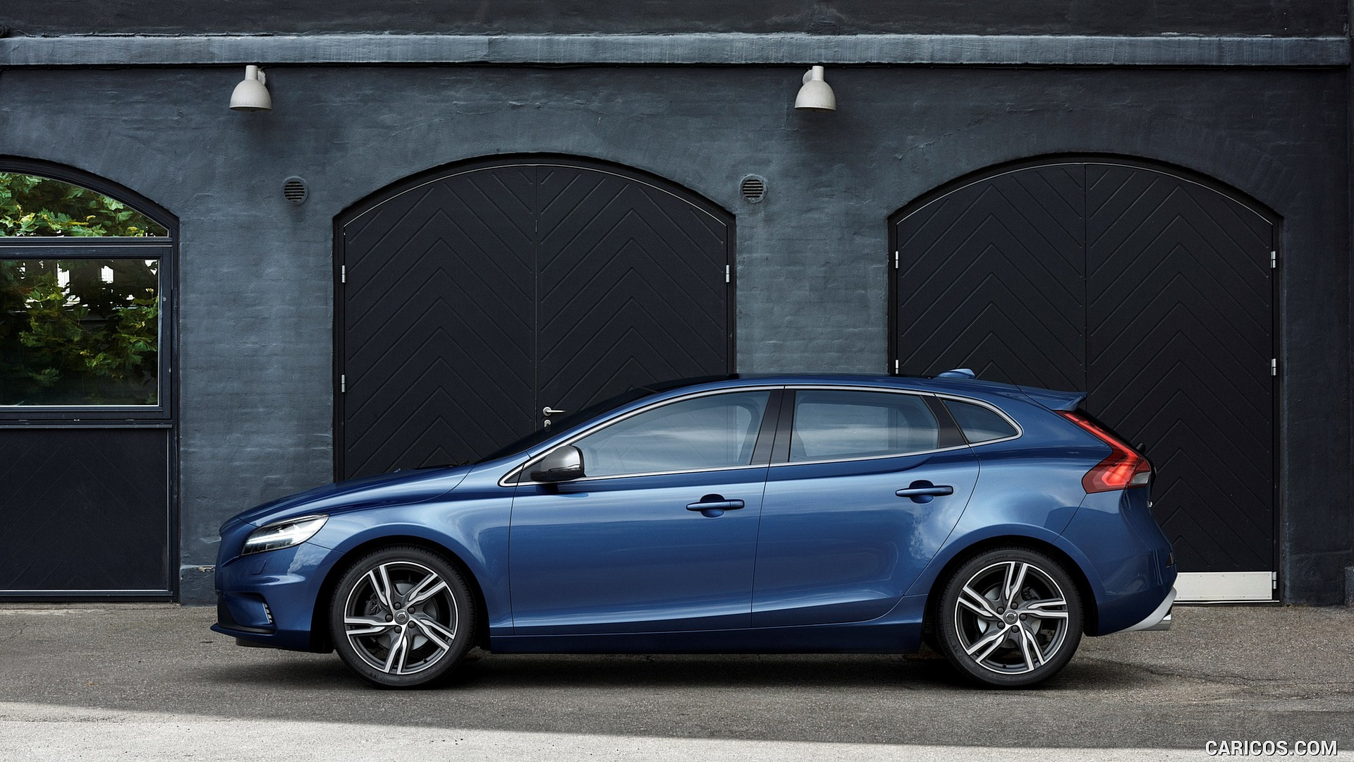 2017 Volvo V40 T5 R design   Side HD Wallpaper 11 1920x1080