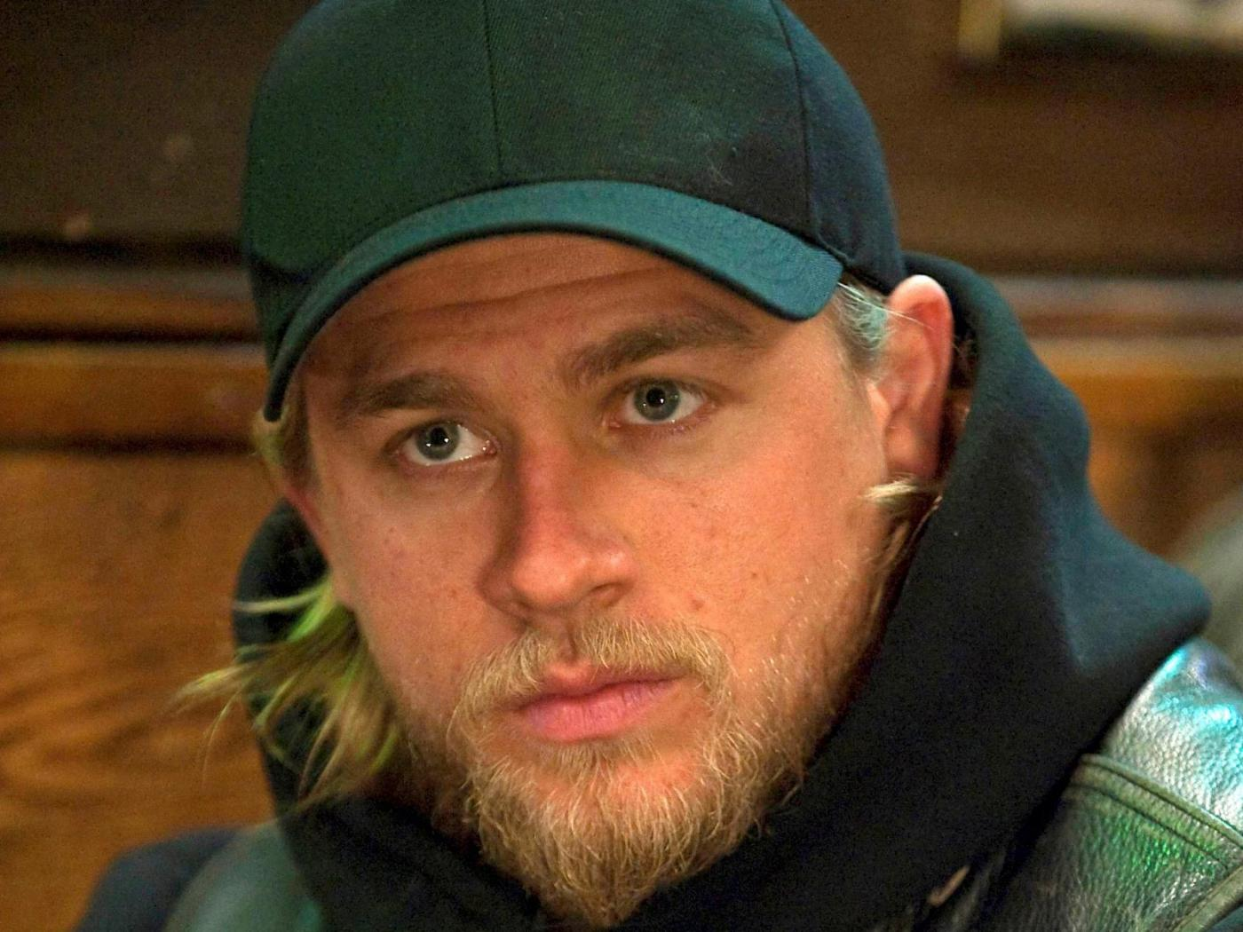 Charlie Hunnam 1400x1050 Wallpapers 1400x1050 Wallpapers Pictures 1400x1050