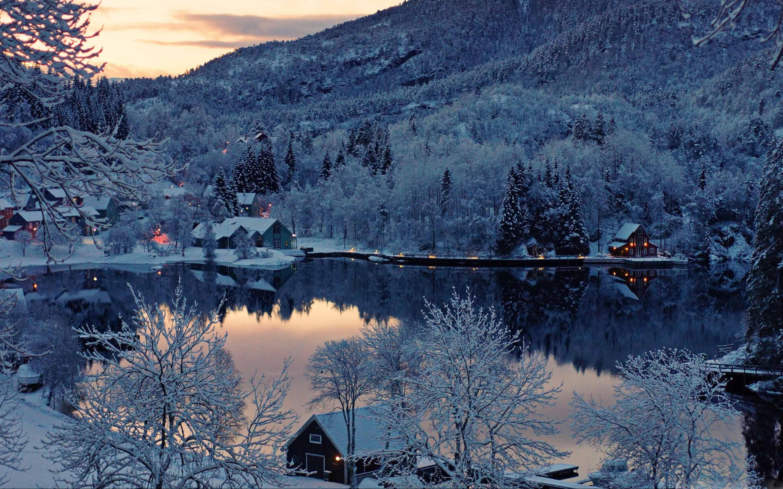 Mountain Resort Winter MacBook Pro Wallpaper Download 2880x1800