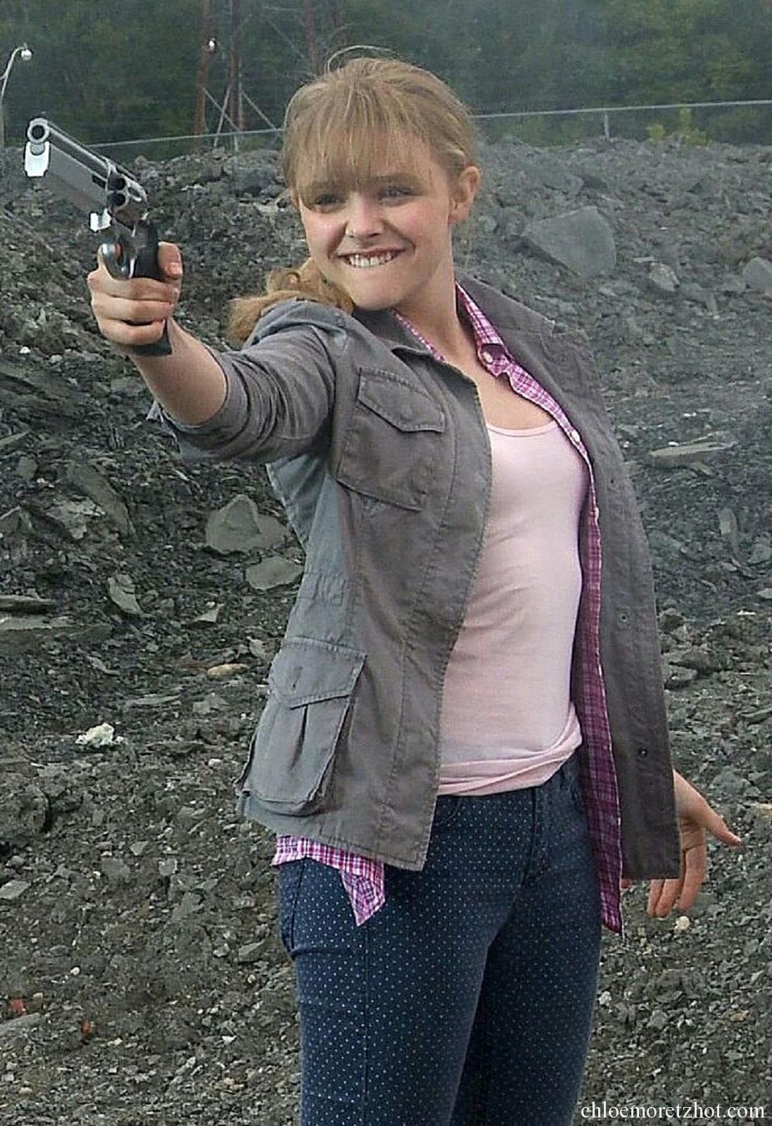 guns chloe moretz - photo #4