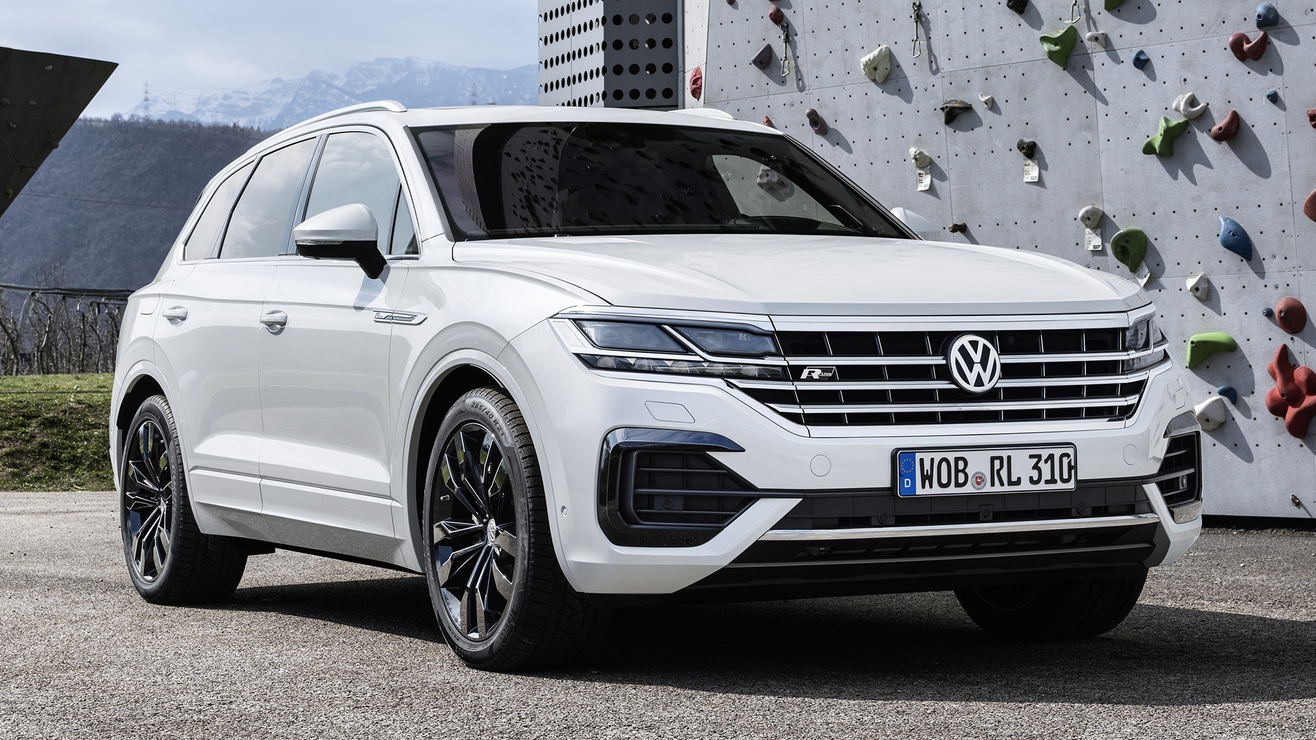 2018 Volkswagen Touareg R Line HD Wallpaper Background Image 1920x1080