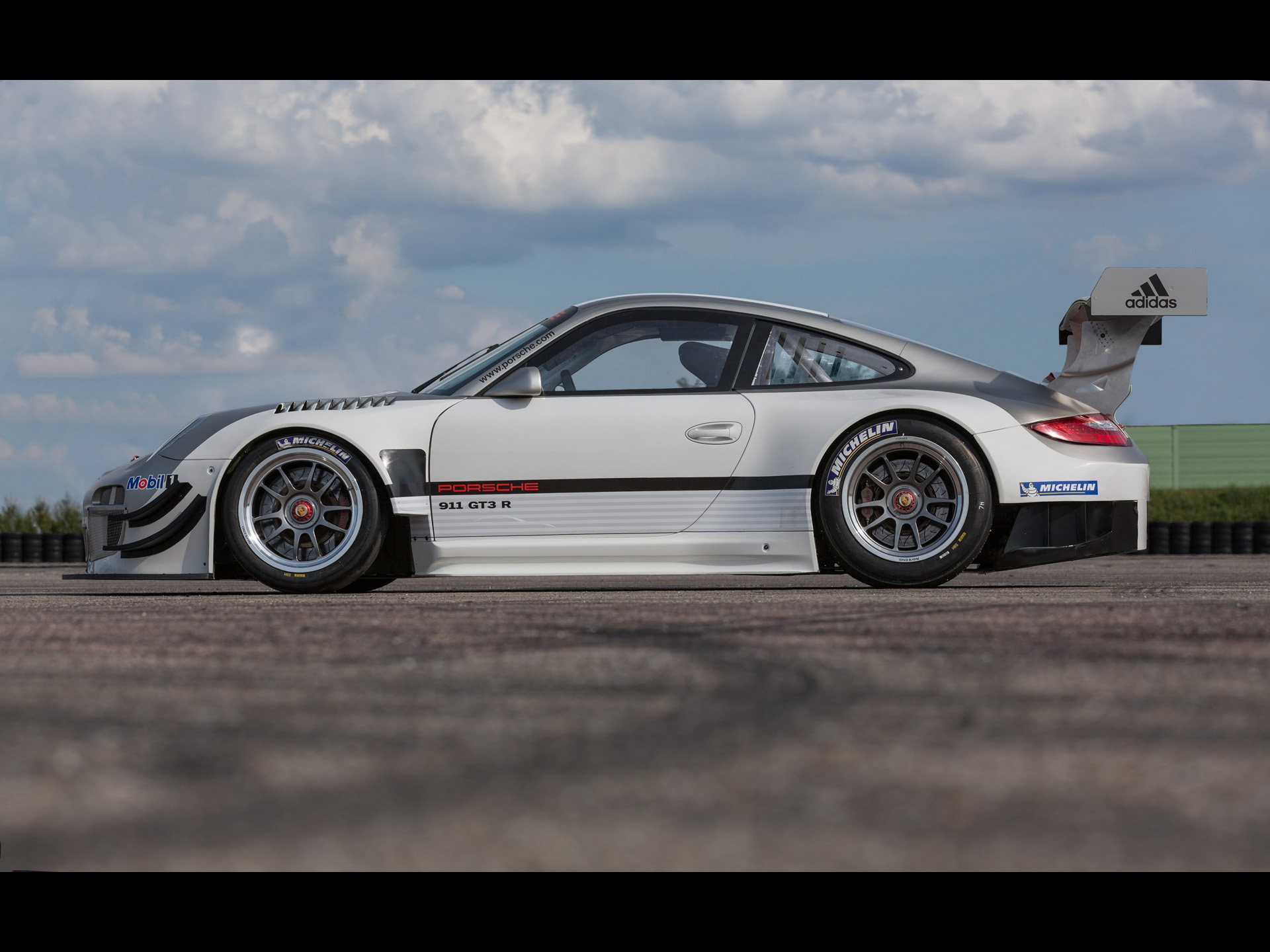 2013 Porsche 911 GT3 R   Static 4   1920x1440   Wallpaper 1920x1440