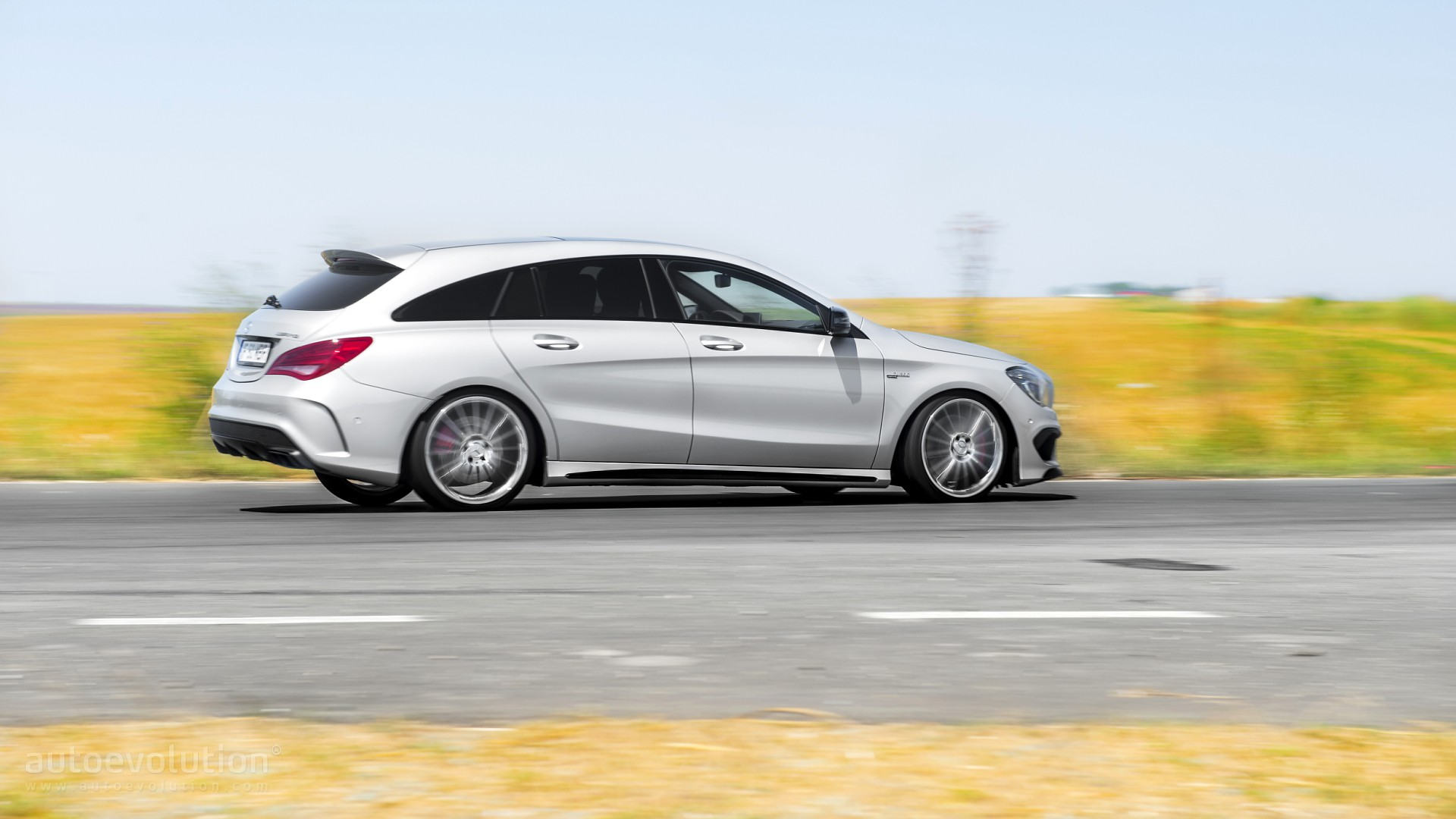 2016 Mercedes Benz CLA45 AMG Shooting Brake HD Wallpapers Fashion 1920x1080