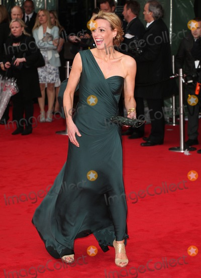 Photos and Pictures   Suranne Jones arriving for the TV 400x554