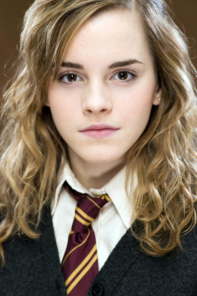 Emma Watson Iphone Wallpaper Wallpapersafari