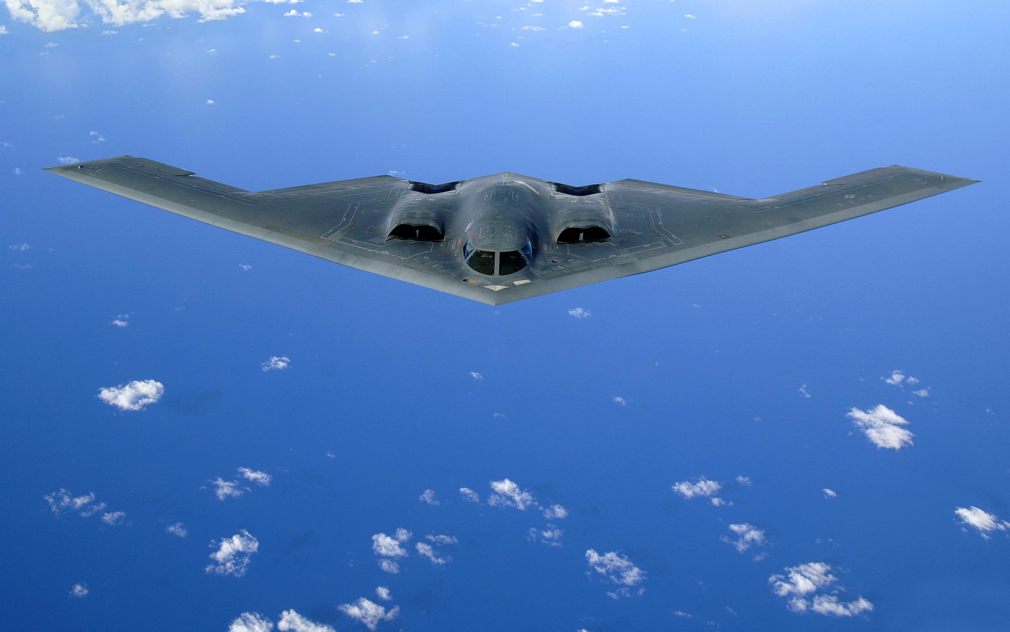 Northrop Grumman B 2 Spirit HD Wallpaper Background Image 2000x1252