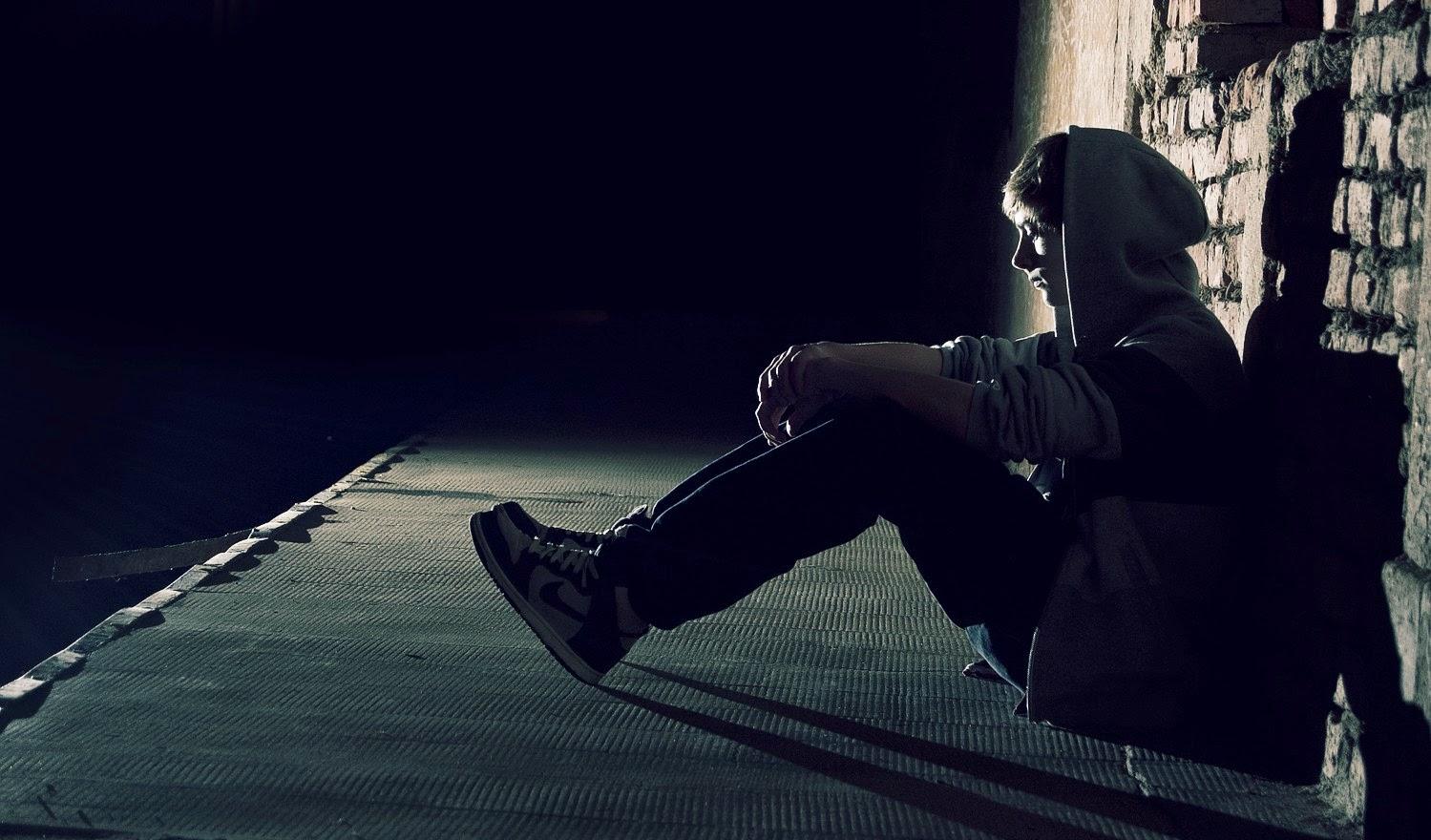 Sad alone boy wallpaper 1 786406jpg 1499x880