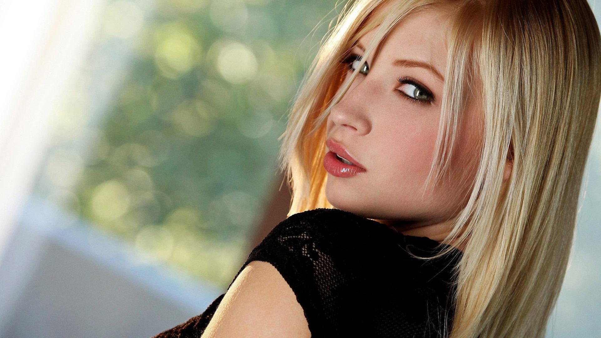 только красивые девушки видео онлайн полки, свешивалась