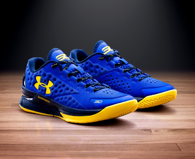 e5e6835a6ab Under Armour Stephen Curry One Basketball Shoes US 800x653