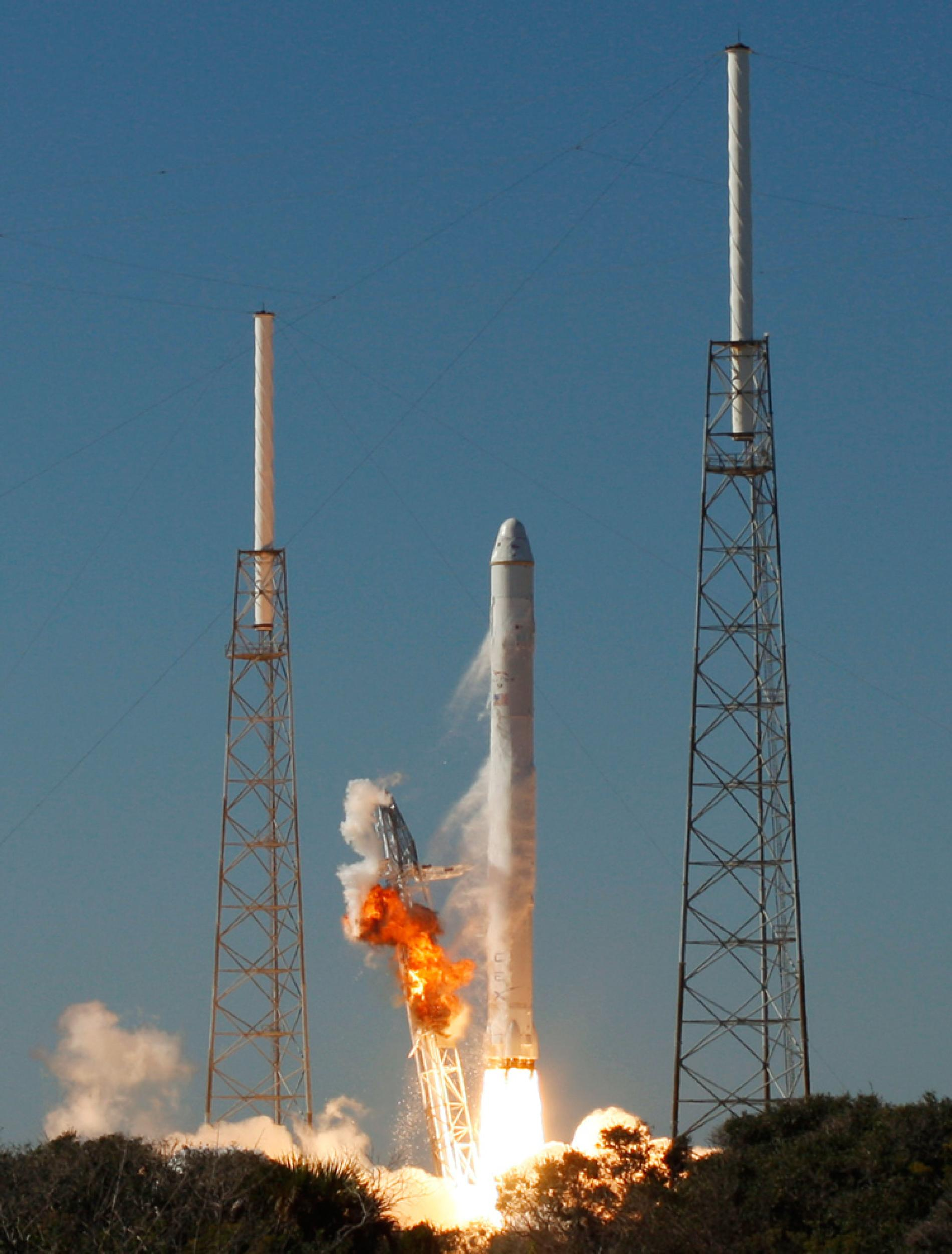 SpaceX to Launch First Private Craft to Space StationNext Stop Mars 1900x2504