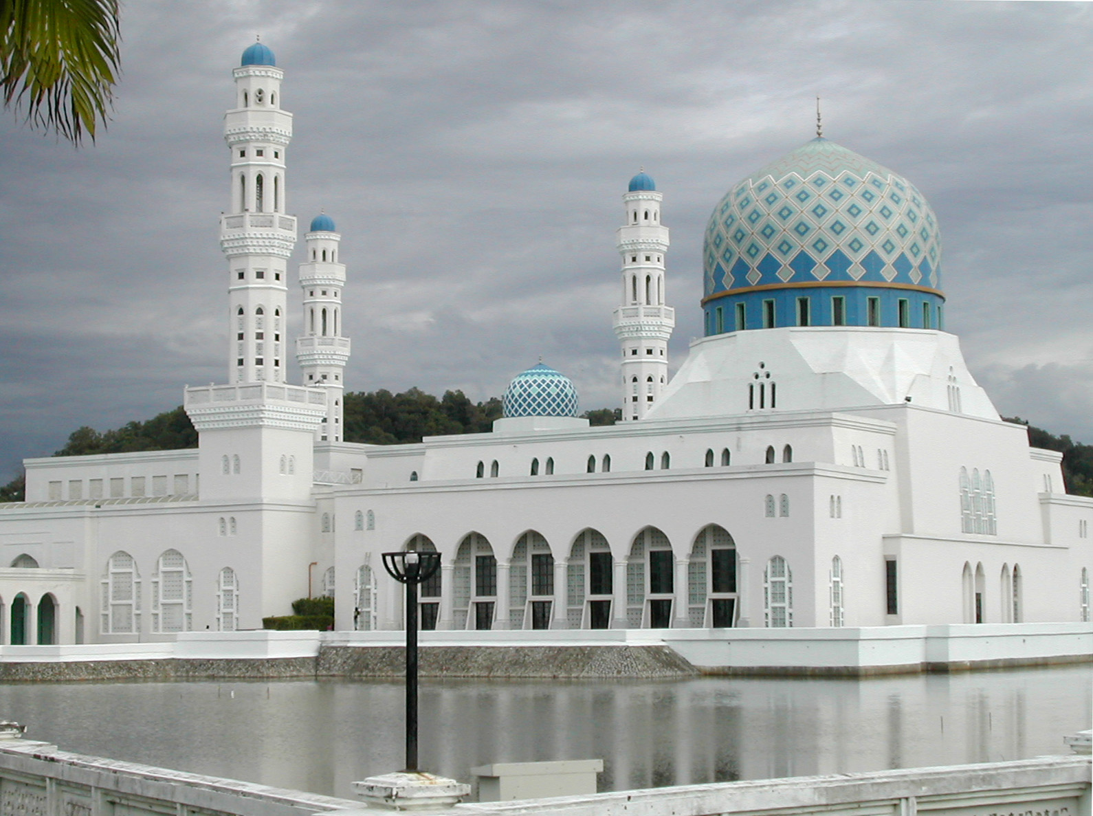 Kota Kinabalu City Mosque wallpapers 1590x1187
