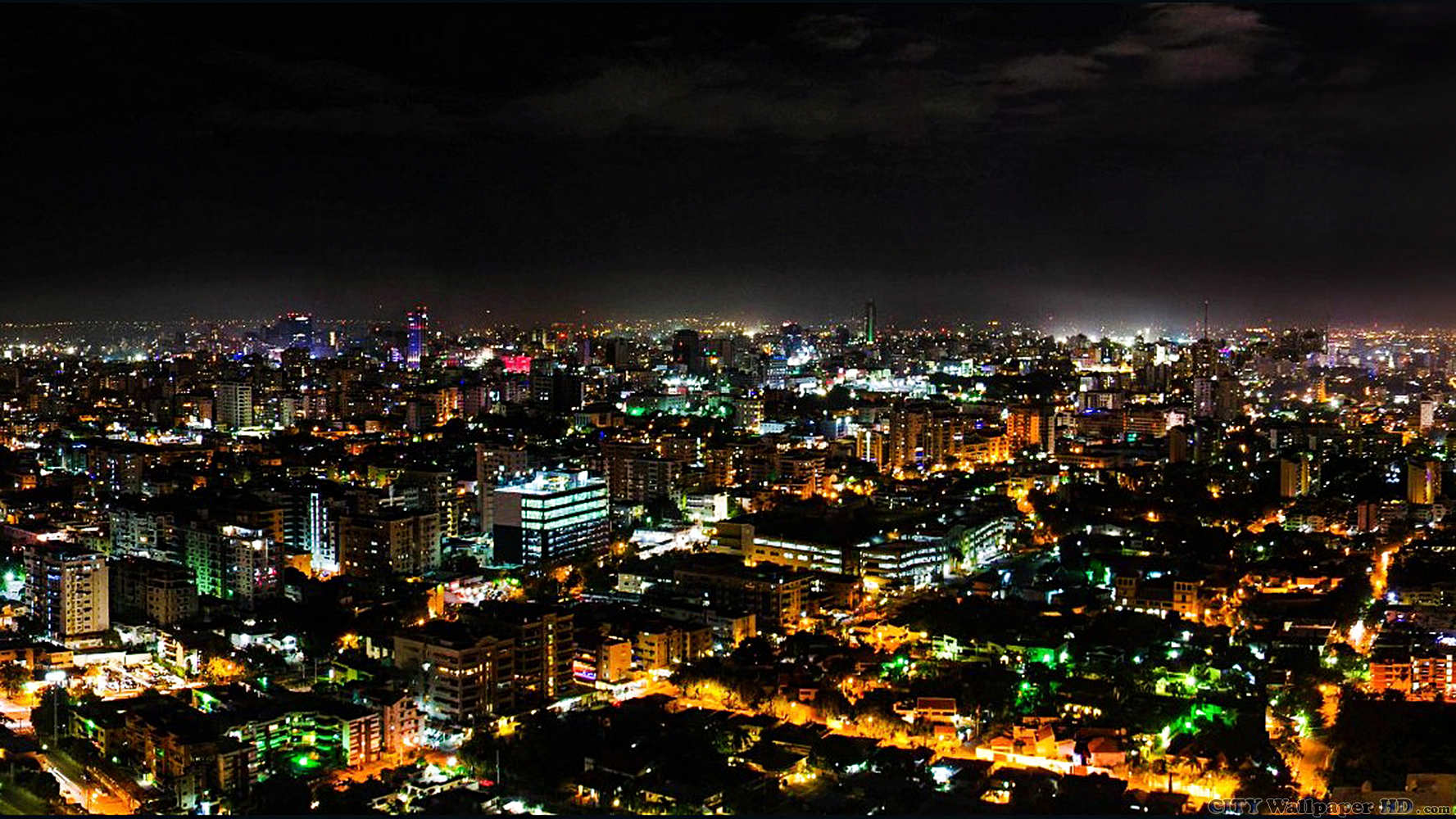 Night in Santo Domingo Wide image of cities and countries for the 1777x1000