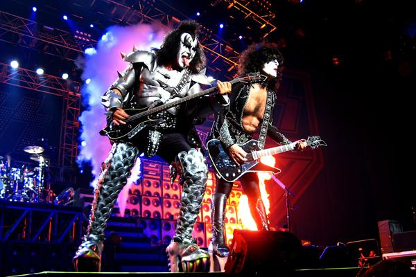 Business rocks as Kiss man Gene Simmons and Fergie cement US UK 600x400