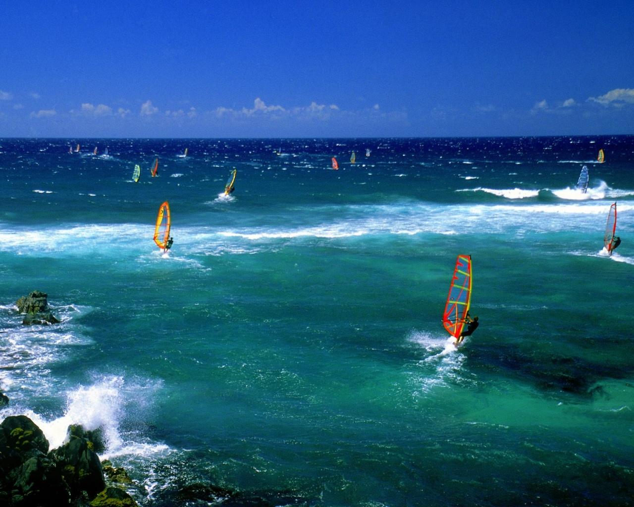 1280x1024 Windsurfers Maui desktop PC and Mac wallpaper 1280x1024