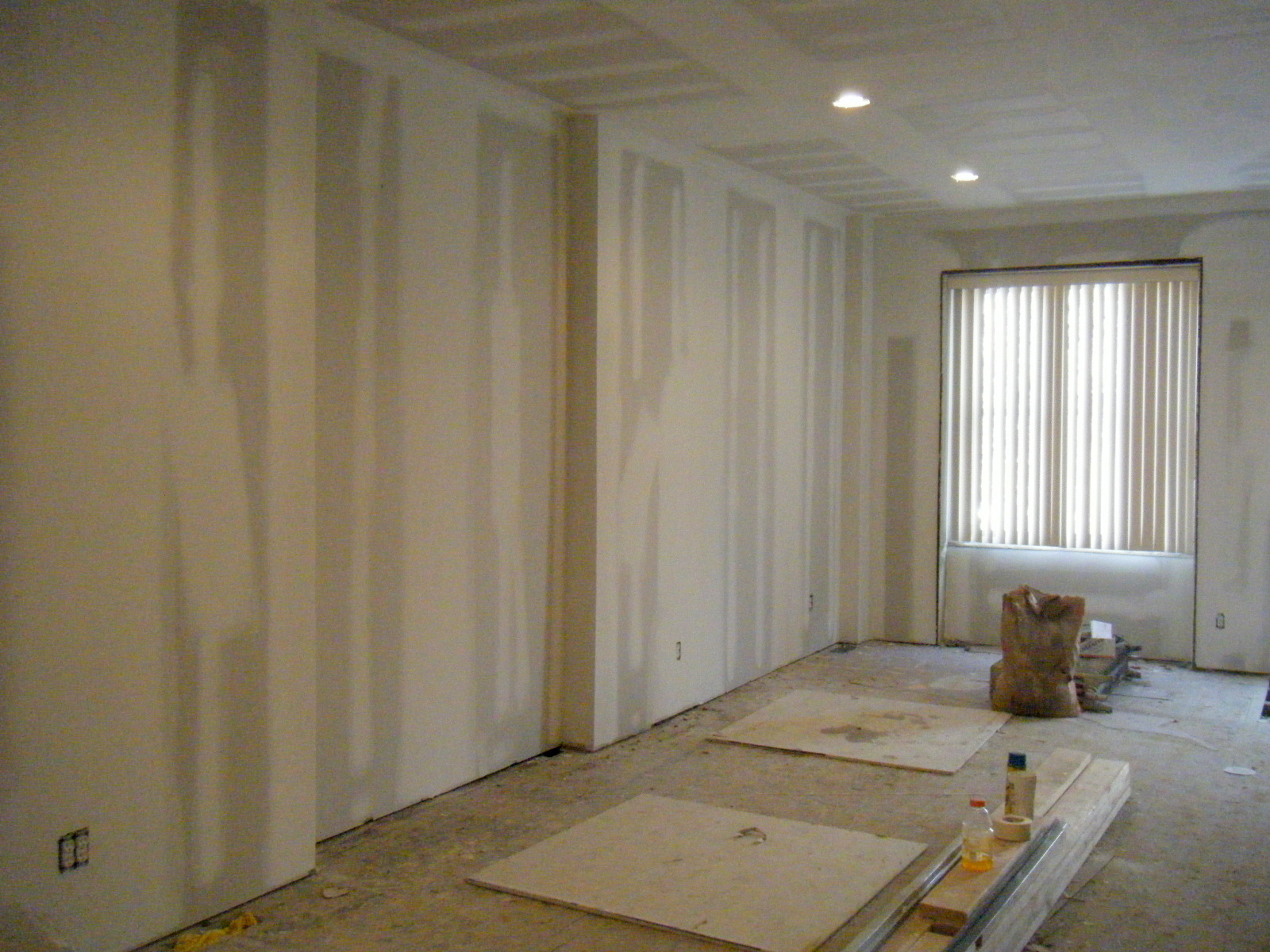 Wallpaper Drywall For Chic Decorating 1600x1200