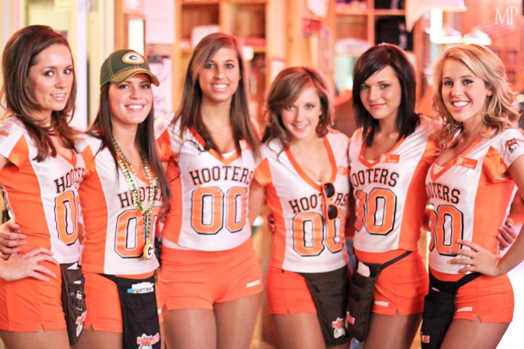 Hooters de México Hooters está orgulloso de haber creado un icono reconocido a nivel mundial Obviamente estamos hablando de la lechuza en