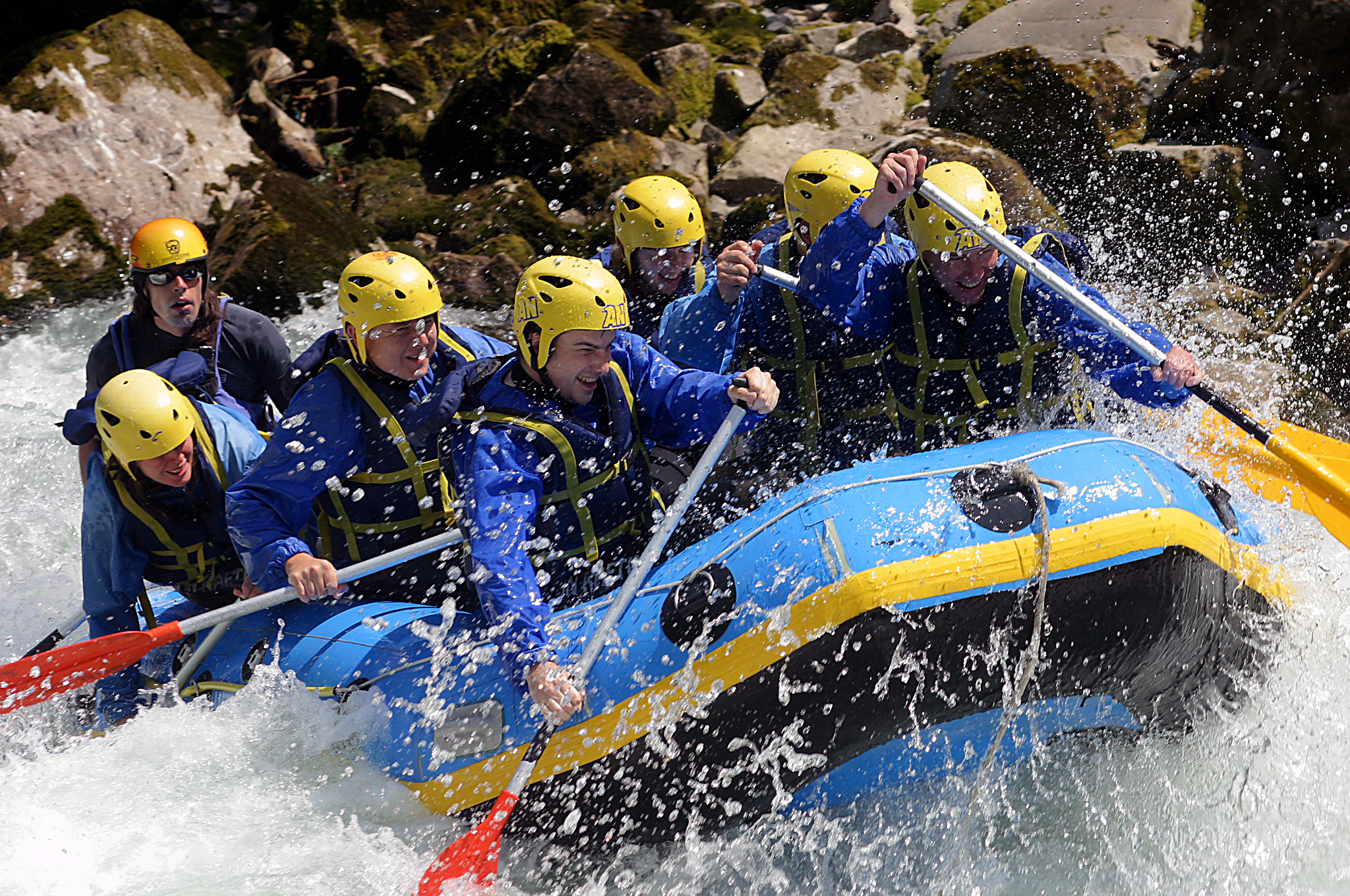 7 White Water Rafting HD Wallpapers Background Images 2048x1360