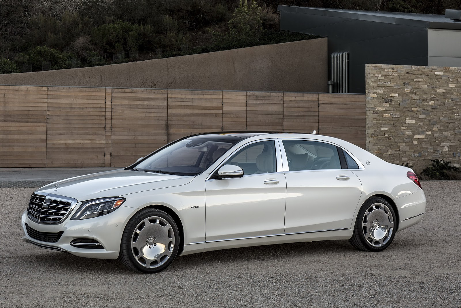 Get to Know the 2016 Mercedes Maybach S600 in 57 New Photos 1600x1067