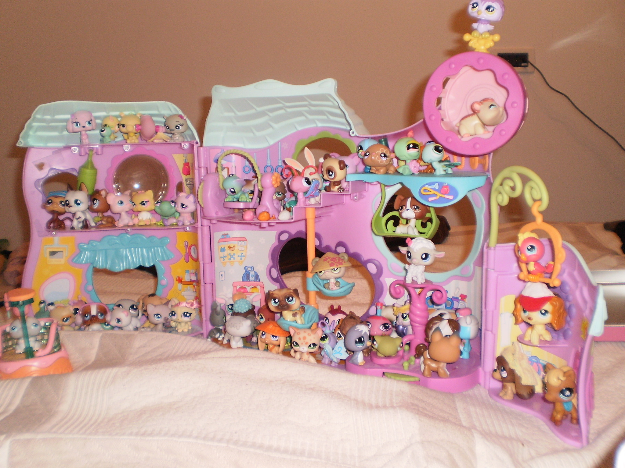 Littlest Pet Shop images LPS 2009 wallpaper photos 6800725   Page 2 2048x1536