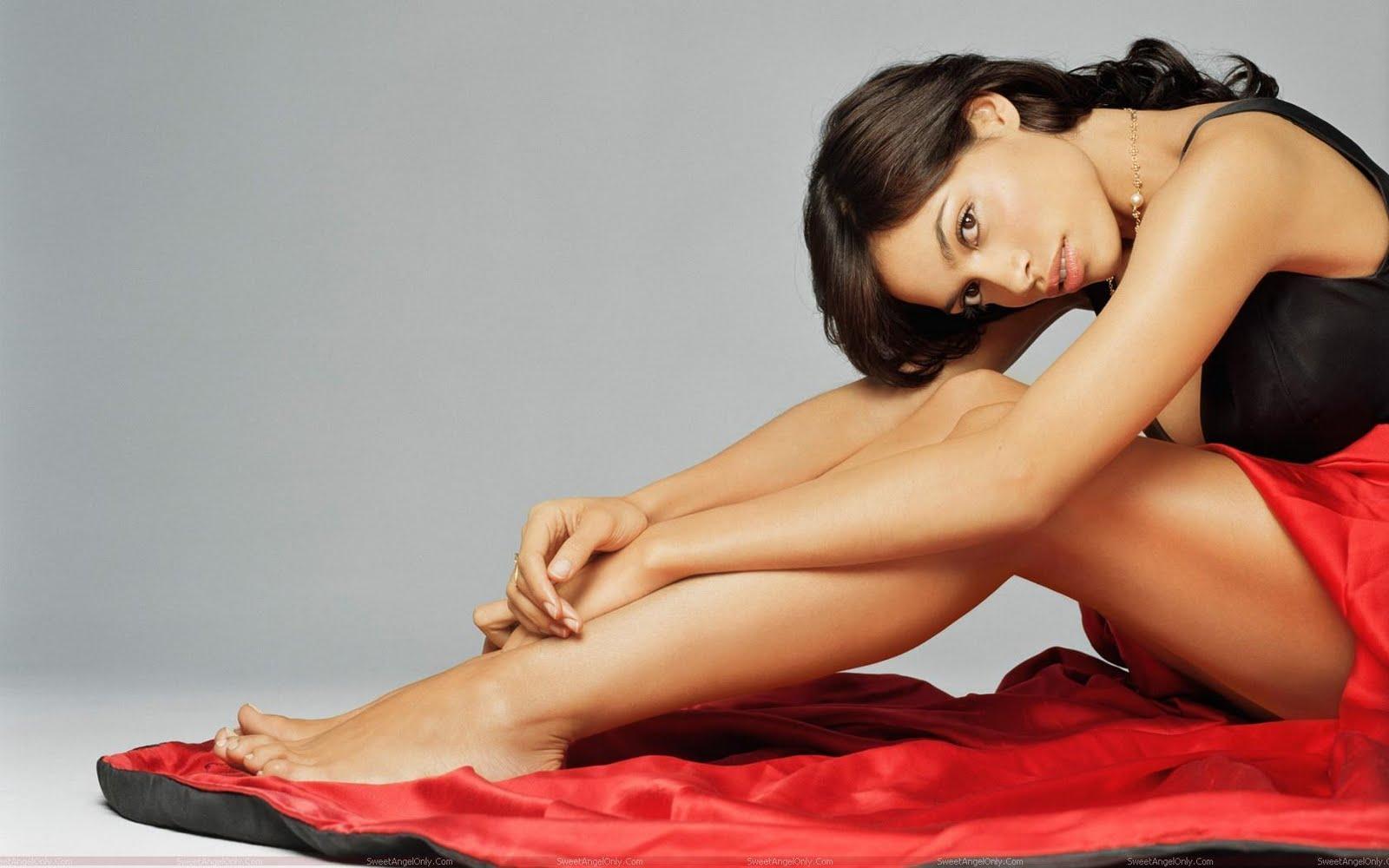 Rosario Dawson Biography And Latest Hot Wallpaper Hollywood Stars Hd 1600x1000
