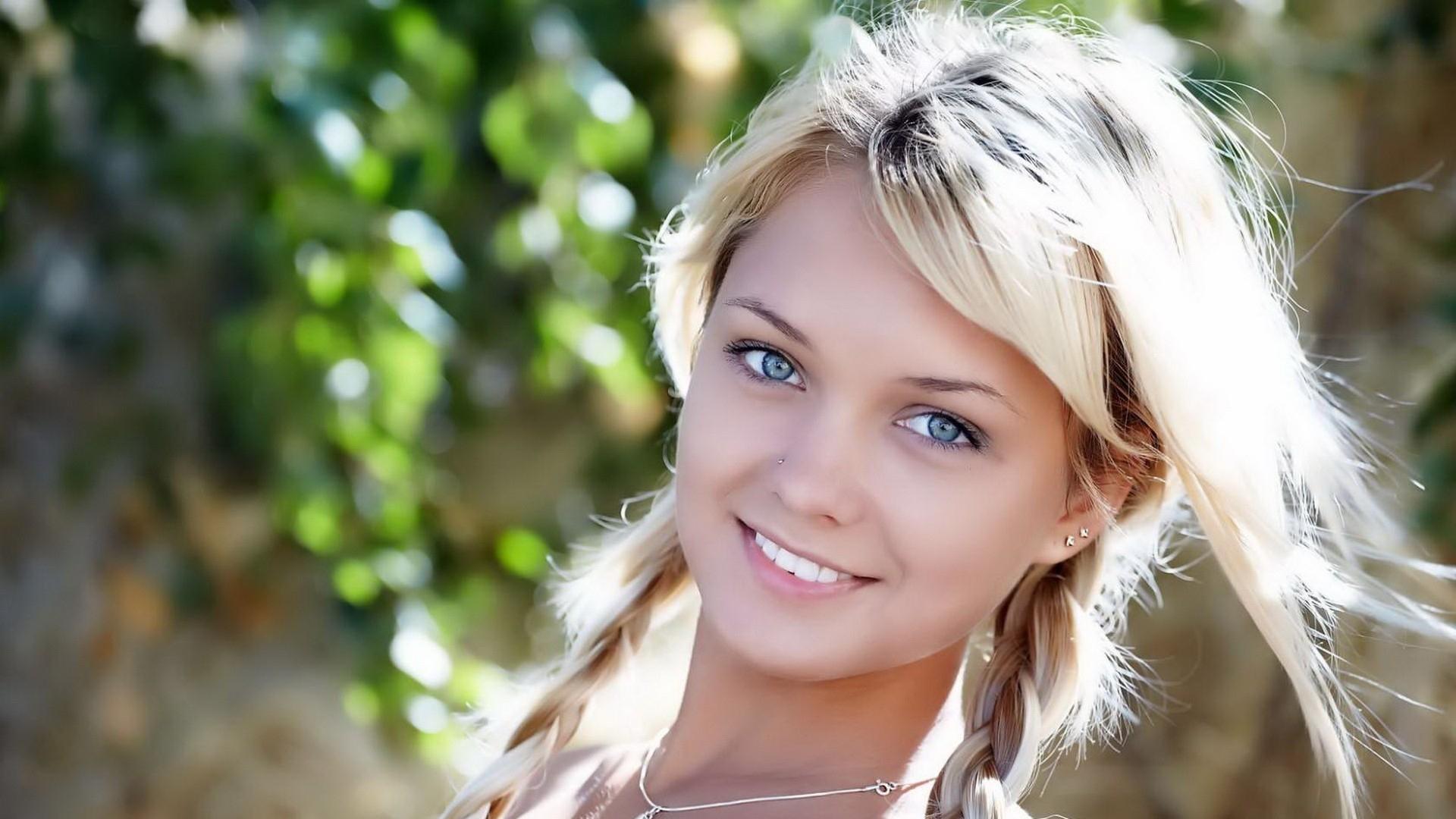 Blue Eyes Girls HD Images Beautiful Girls Wallpaper 1920x1080