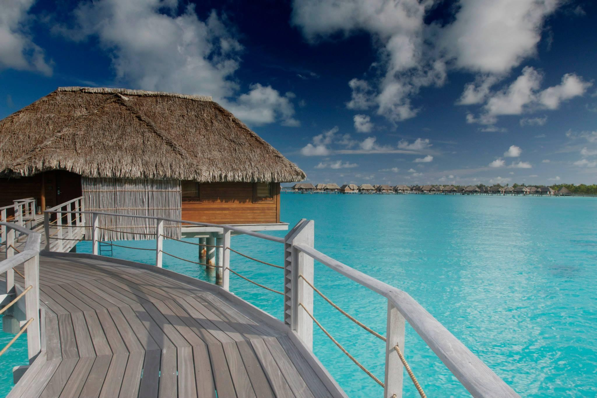 Water Bungalows Bora Bora Hd Wallpaper Wallpaper List 2048x1366