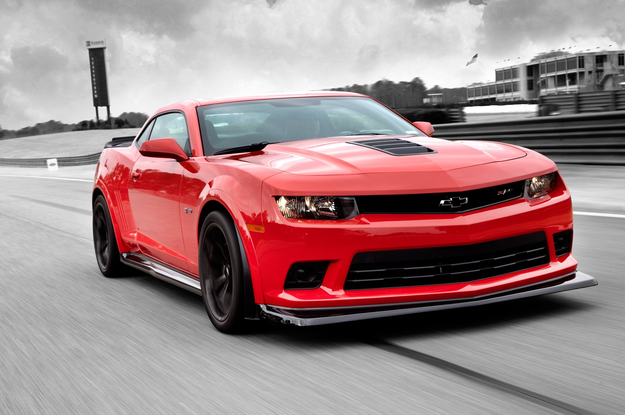 Pics Photos   2014 Chevrolet Camaro Z28 Red Hd Wallpaper 2048x1360